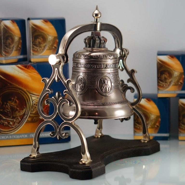 Колокол сувенирный весом 3кг.на бронзовой качалке с ликами православных святых
